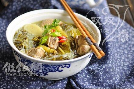 打造一个人的奢华酸菜粉丝鸭肉汤